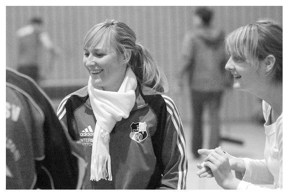 Bente mitsamt Busenfreundin Hanna. 2006